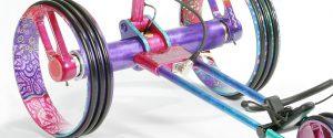 Detail Ansicht Golf Trolley im Hundertwasser-Look